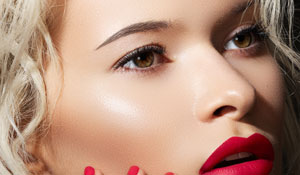 A Private Makeup Workshop worth Dhs2,299 with ILLUMIN8 Media Makeup Studio