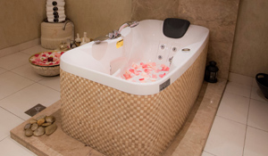 Elemis Body Nourishing Milk Bath from Sera Beauty Lounge